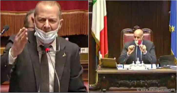 """Dl Sicurezza, il leghista Paternoster ai deputati M5s: """"Fate schifo, al vostro posto mi sputerei"""". Rampelli lo riprende: """"Non insulti"""". Caos in Aula"""