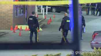Man killed outside busy Surrey strip mall in targeted shooting
