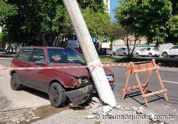 Na madrugada: motorista colide contra poste na rua Pitangueiras - Tribuna de Jundiaí
