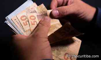 Curitibanos preferem pagar dívidas com parcela do 13º - CBN Curitiba 90.1 FM