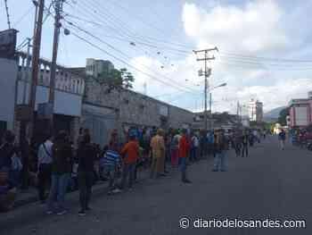 Largas colas en oficina del Saime en Valera - Diario de Los Andes