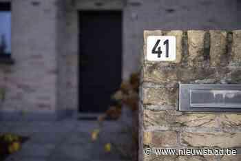 """Alle huizen in Maarkedal krijgen reflecterende huisnummers: """"Een zichtbaar nummer kan uw leven redden"""""""