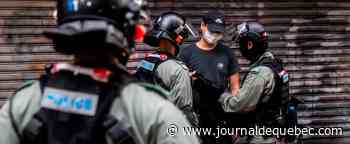 Hong Kong: un complexe sportif de la police visé par des cocktails Molotov