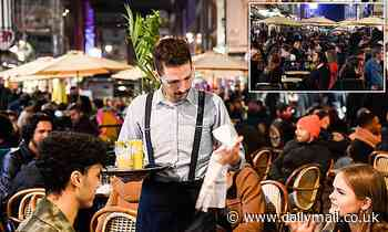 Diners will be able to eat al fresco outside central London restaurants for next six months