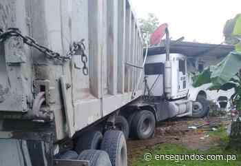 Vehículo articulado quedó incrustado en una casa en Calzada Larga – En Segundos Panama - En Segundos