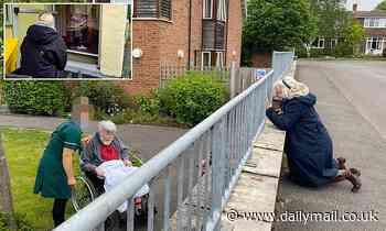Coronavirus UK: Ministers reverse ban on hugging elderly loved ones in care homes this Christmas