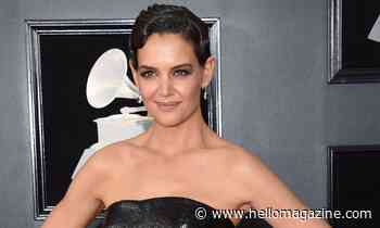 Katie Holmes shows off her stunning figure in new photo