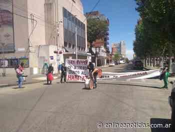 Sentada en el Municipio: MTE Olavarria respaldó el reclamo por viviendas - En Línea Noticias