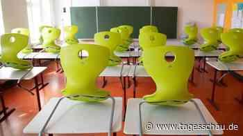 Liveblog: ++ Sachsen will notfalls Schulen schließen ++