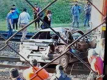Auto fue arrollado por tren en Villa Adelina - InfoBan