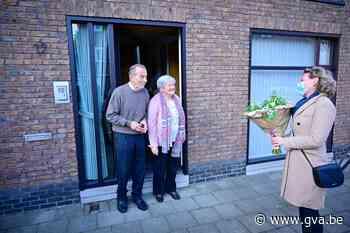 Districtsburgemeester feliciteert eigen ouders met huwelijksjubileum - Gazet van Antwerpen