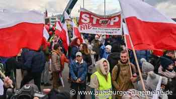 Rund 1500 Menschen protestieren gegen Corona-Maßnahmen - Augsburger Allgemeine