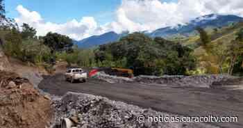 Habilitan paso a un carril en la vía Dabeiba-Uramita, se podrá transitar durante las 24 horas - Noticias Caracol