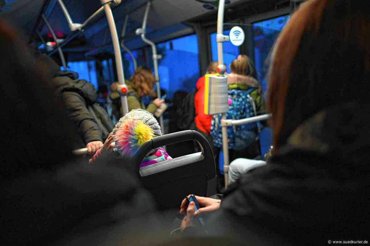 Friedrichshafen/Immenstaad: Wie soll hier jemand Abstand halten? In vielen Schulbussen herrscht derzeit drangvolle Enge - SÜDKURIER Online