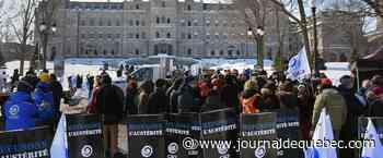 Négociations publiques: la CSQ brandit la menace d'une grève