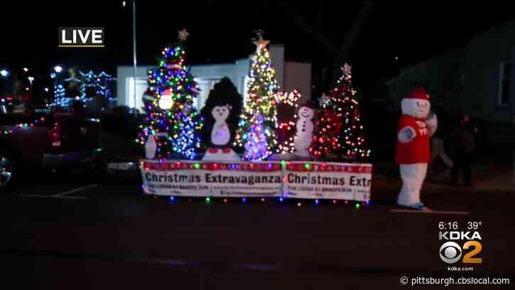 Ambridge Holds Reverse 'Christmas On Merchant' Parade