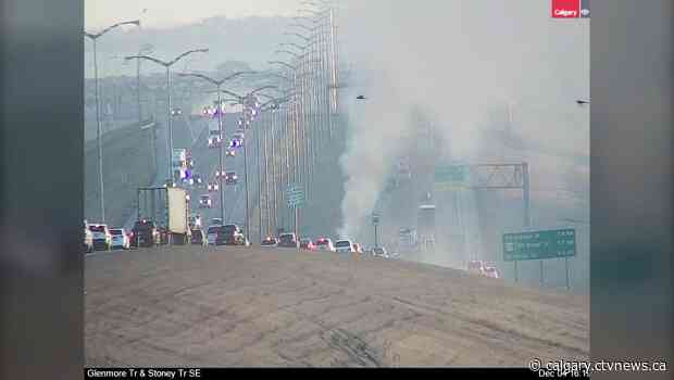 Southeast Calgary traffic disrupted due to rush hour vehicle fire