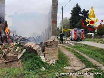 Incendio di un casolare di campagna a Crespellano - Bologna 2000
