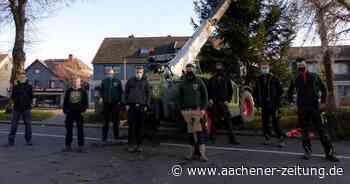 Baum aufgestellt: Geloog lässt Simmerath erstrahlen - Aachener Zeitung