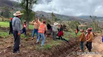 Cajamarca: campesinas se enfrentan por apertura de carretera en Bambamarca [VIDEO] LRND - LaRepública.pe