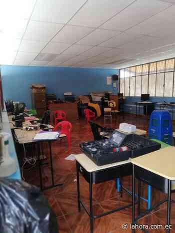 Roban centro de cómputo de una escuela en Píllaro - La Hora (Ecuador)