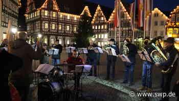 Weihnachten in Bad Urach : Heilig Abend auf dem Marktplatz - SWP