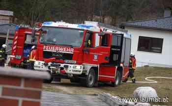 Vier Feuerwehren bei Brand an einer Hausfassade in Molln im Einsatz   laumat at - laumat at