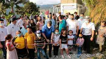 Entregaron en Palocabildo la nueva escuela Alto de Gualí, la cual fue destruida por un alud de tierra hace nueve años - Emisora Ondas de Ibagué, 1470 AM