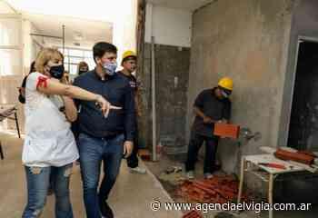 El intendente Chornobroff recorrió obras en escuelas de Sarandí y Gerli - Agencia El Vigía