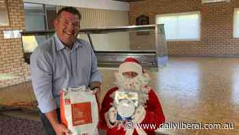 Dugald Saunders visits Narromine Fire and Rescue Christmas party - Daily Liberal