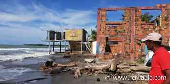 Erosión marina provoca el desplazamiento de unas 100 personas en Moñitos (Córdoba) - RCN Radio