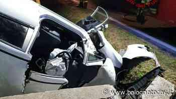 Incidente a San Giorgio di Piano: auto contro un muretto, morto 43enne - BolognaToday