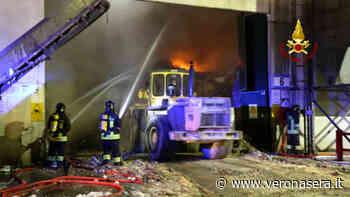 A fuoco azienda di rifiuti nel Vicentino, pompieri veronesi in aiuto - Verona Sera