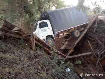 Más de 2.000 campesinos afectados por colapso de puente en San Pelayo - LA RAZÓN.CO