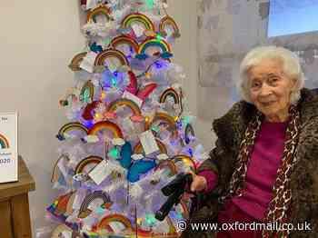 Artist Sylvia Warman paints rainbows for Abingdon NHS staff - Oxford Mail