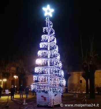 La magia del Natale si accende via social a Nosate con l'albero della Pro Loco - malpensa24.it