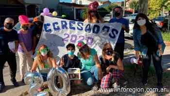 Llavallol: Les regalaron meriendas a los egresados para que no se queden sin festejo - InfoRegión