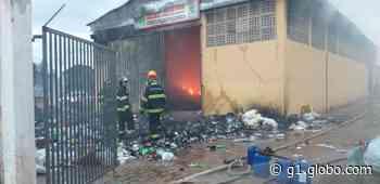 Incêndio em barracão de reciclagem mobiliza o Corpo de Bombeiros em Pirapozinho - G1