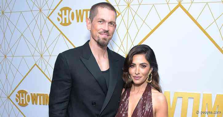 Shameless Actor Steve Howey and L Word Star Sarah Shahi Split After 11 Years of Marriage - PEOPLE.com