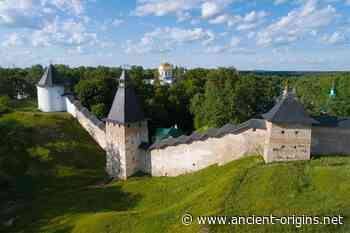 The Pskov-Caves Monastery and its 10000 Monk Necropolis - Ancient Origins