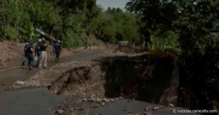 Al menos una semana más estaría cerrada la vía Dabeiba-Uramita tras derrumbe - Noticias Caracol