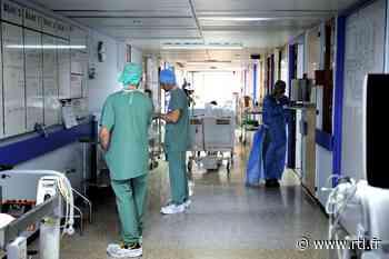 Non, l'hôpital de Garches n'a pas fermé pour empêcher le professeur Perronne de parler - RTL.fr