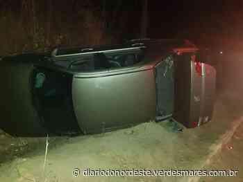 Criminosos capotam carro durante perseguição policial em Itaitinga - Segurança - Diário do Nordeste