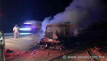 Se incendia camión en Nueva Rosita; conductor resulta ileso - Periódico Zócalo