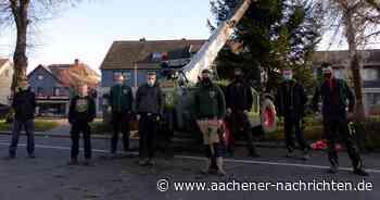 Baum aufgestellt: Geloog lässt Simmerath erstrahlen - Aachener Nachrichten