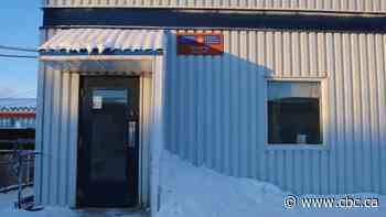 Cambridge Bay postal service resumes with temporary staff - CBC.ca