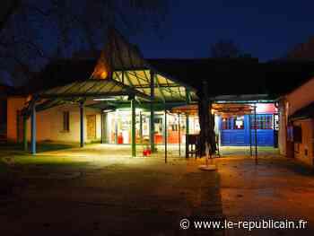 Dourdan : le cinéma Le Parterre ouvre ses portes pour une braderie d'affiches - Le Républicain de l'Essonne