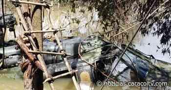 Impactantes imágenes de helicóptero del Ejército que cayó a un río durante una operación - Noticias Caracol