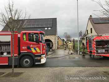 Vrouw naar ziekenhuis na brand in garage