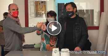 FLORENSAC - Masques personnalisés : Vincent Gaudy visitait ce lundi l'atelier de Rosa Addabbo à Pézenas - Hérault-Tribune